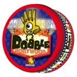 Dobble (Asmodee, 15,99€). La version 2014 se refait une beauté; puisque le jeu d'observation et de rapidité le plus vendu France en 2013,