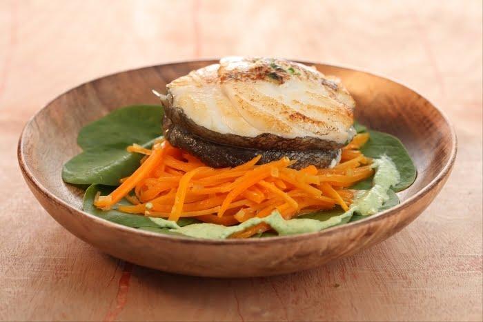 Filet de cabillaud et carottes râpées