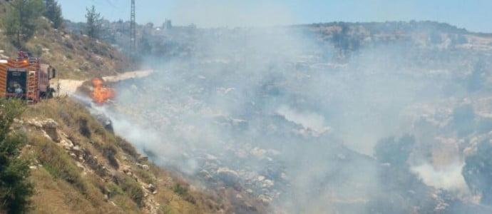 Un second incendie criminel à Jérusalem entraine la fermeture temporaire d'un arrêt de tram