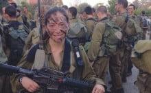 Elles sont belles, jeunes, nouvelles immigrantes et soldates dans des unités de combat
