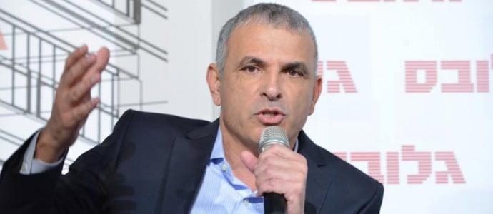 Le ministre des Finances d'Israël prévoit de baisser la TVA de 1%