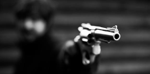 Que dit la législation sur les armes à feu?