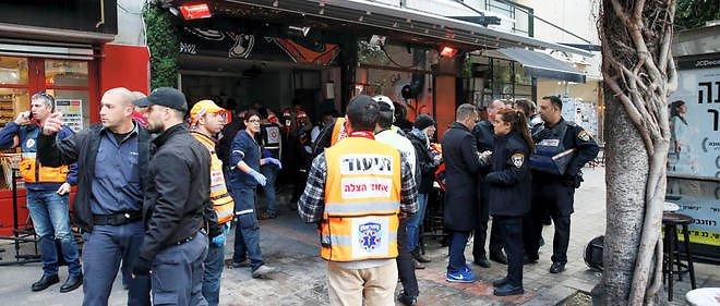 même scènes qu'a Paris fusillade dans un bar à Tel Aviv israel