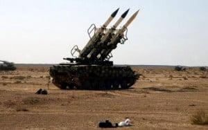 Les militants apprenent à fabriquer des armes de guerre