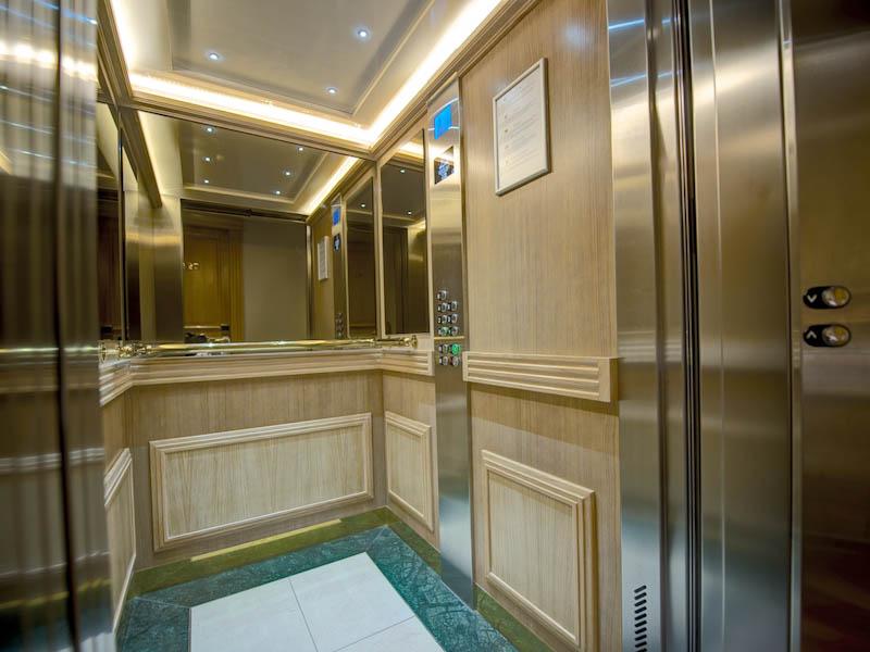 Spécialiste maintenance et travaux ascenseurs et portes automatiques