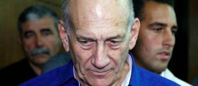 Israël: l'ex-Premier ministre Olmert écope d'un mois de prison supplémentaire