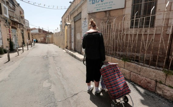 la pauvreté touche plus durement les femme