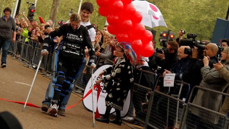 Une femme handicapée au marathon de Virgine, gràce à ReWalk