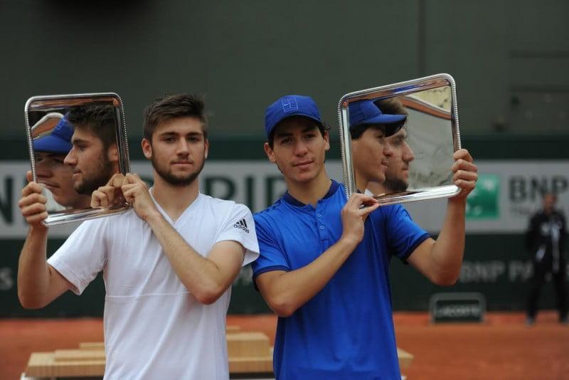 Yishai Oliel en bleu,  vainqueur Roland Garros
