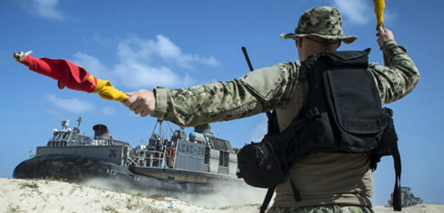 Les forces spéciales de Tsahal et les Marines s'entrainent dans le Néguev