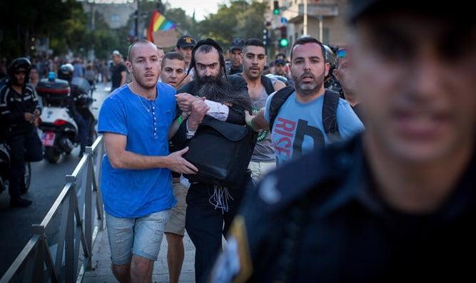 La famille d'Ishai Shlissel sommée de rester hors de Jérusalem lors de la gay pride