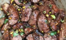 Magret de canard aux pistaches grillées