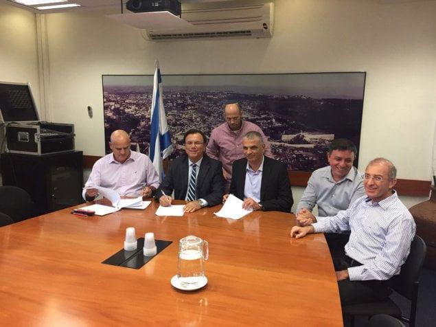 Le PDG du Fonds national juif a fait suivre ses employés
