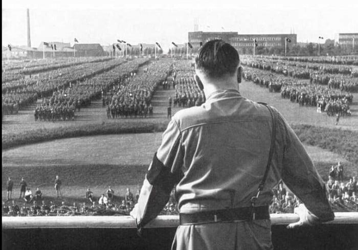 """""""L'extase totale"""" ou le parcours de junkie d'Adolf Hitler"""