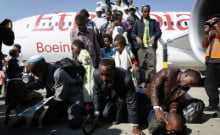 Nouvelle Alya d'Ethiopie : Emotion et larmes à Ben Gurion à la rencontre de leurs familles.