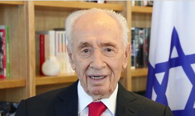 Selon un agent responsable de l'opération Entebbe, Shimon Peres était un menteur