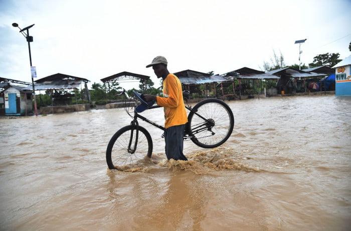 Un groupe humanitaire juif fournit de l'aide aux victimes de l'ouragan d'Haïti
