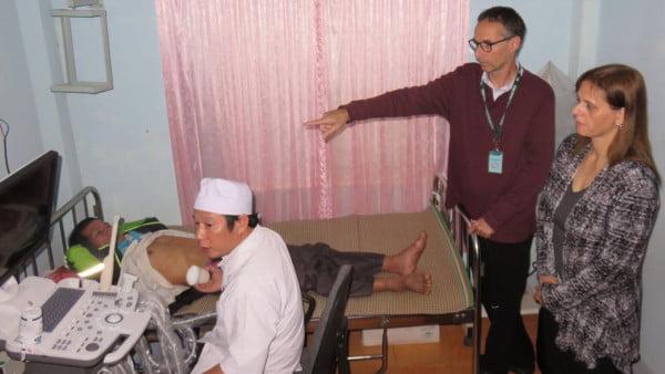 Le dr Kot et l'ambassadrice Meirav Eilon Shahar