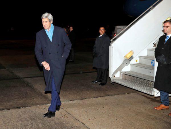 John Kerry à son arrivée à Paris