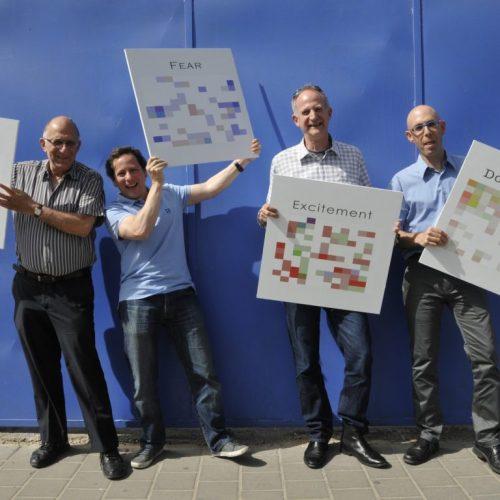Yuval Mor (2ème à partir de la droite) avec l'équipe Beyond Verbal