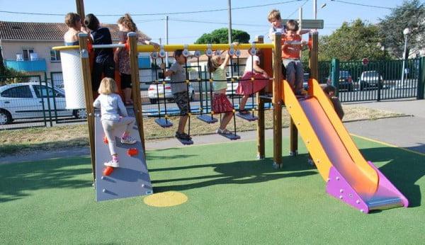 des idées chrétiennes dans un jardin d'enfants juif orthodoxe