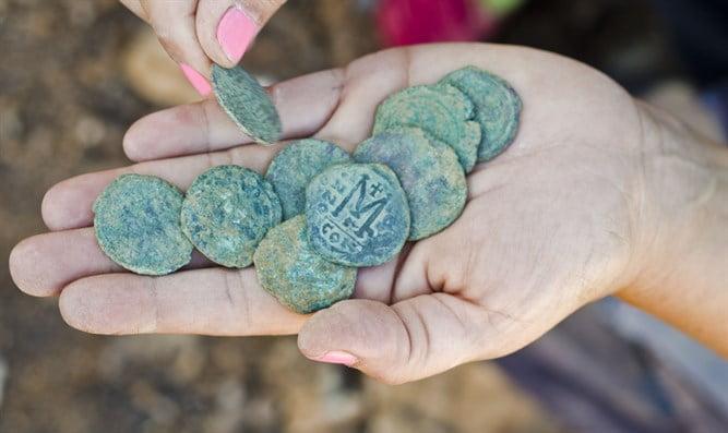 Israël: découverte de pièces anciennes en cuivre