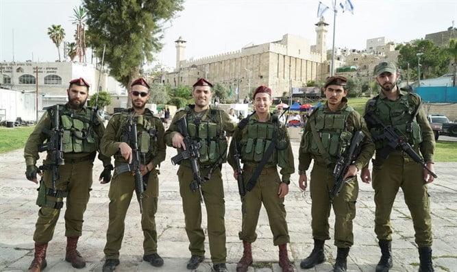 Israël: des milliers de visiteurs affluent vers la ville de Hevron
