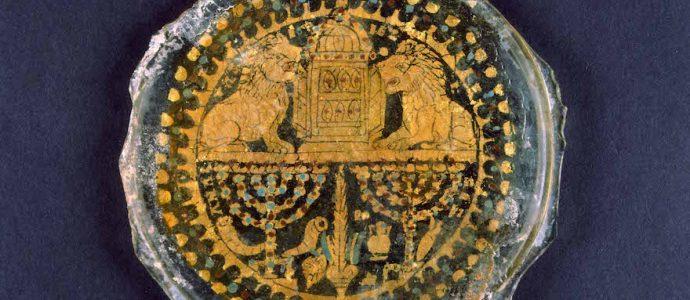 Une splendide exposition de menorah au Vatican et à Rome