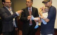 Israël: ce médecin aide les tout petits à marcher