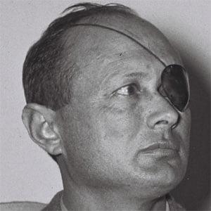 Le ministre et chef d'Etat major Moshe Dayan, blessé au combat, n'a jamais pu bénéficier d'un œil de verre