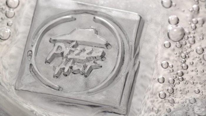 Israël: des glaçons imprimés de logos personnalisés