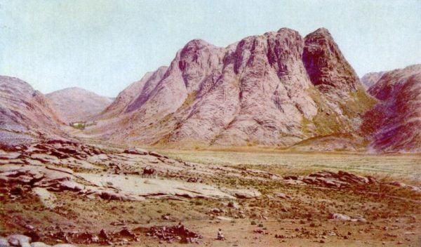 Le mont Sinaï, où la Torah a été donnée