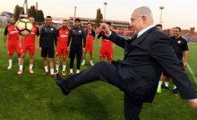 A Budapest, Benjamin Netanyahu... joue au foot