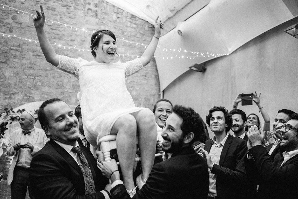 Hora lors d'un mariage juif à Paris