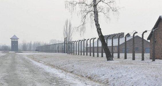Allemagne: la communauté juive s'indigne de l'exposition Auschwitz on the Beach