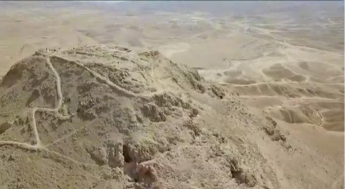 Les pilleurs d'une grotte mystérieuse entre Jéricho et la Mer morte