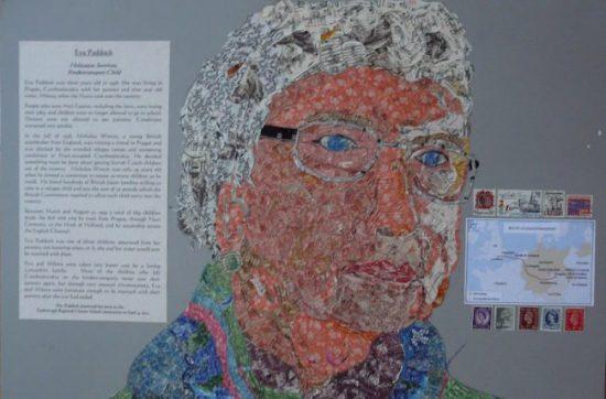 Un collage d'Eva Paddock, une enfant survivante de l'Holocauste de Tchécoslovaquie, conçu et fabriqué par des étudiants de l'école de la Charte régionale de Foxborough dans le cadre du projet de timbre de l'Holocauste.