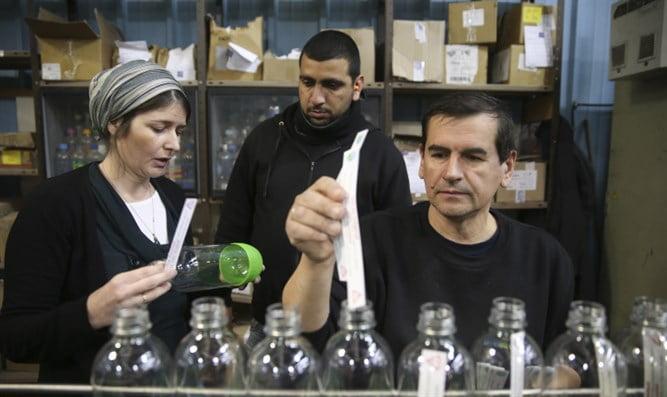 SodaStream ouvre une ligne de production temporaire pour ses employés palestiniens