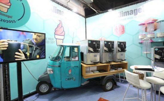 Un stand de crème glacée innovant à l'exposition IsraFood