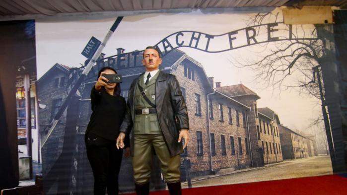 Des selfies avec Hitler en indonésie