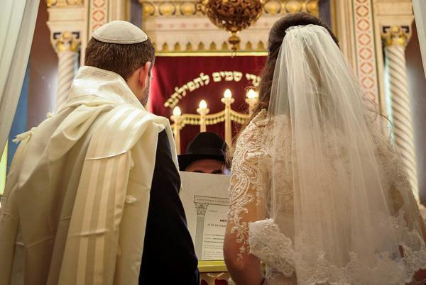 Israël: favoriser l'éducation pré-matrimoniale pour réduire les divorces