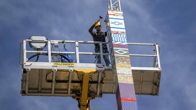 tour à Tel-Aviv de 36 metre de haut en lego