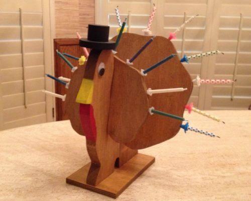 Une hanoukia en forme de dinde de Thanksgiving