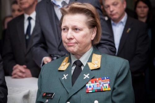 Le Major-Géneral Kristin Lund