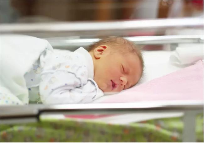 Israël: des bébés adoptés souffrent du syndrome d'alcoolisation fœtale