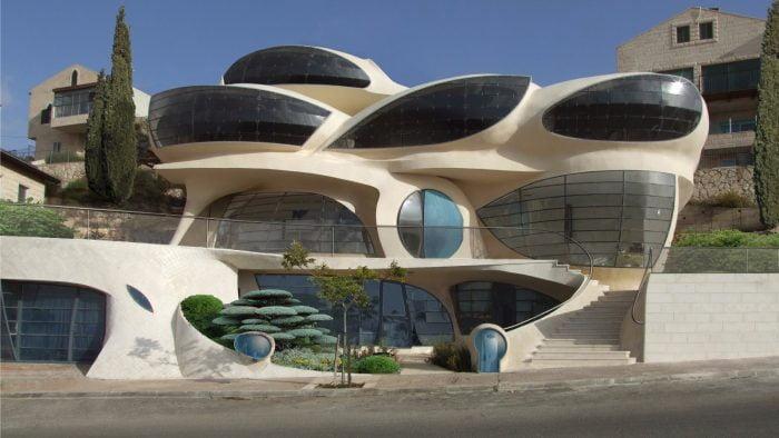 Sept bâtiments israéliens qui vous feront lever les yeux au ciel