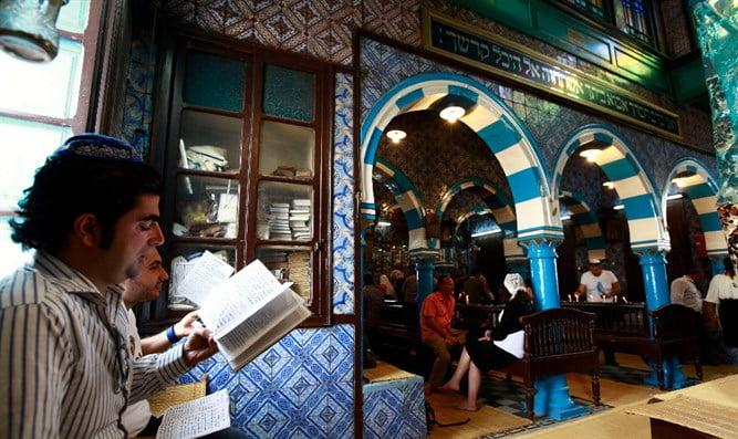 La synagogue de la Ghriba attaquée par des Musulmans