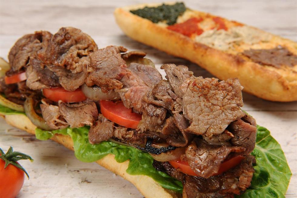 Grand-père Gabato sandwich monstrueux israéliens