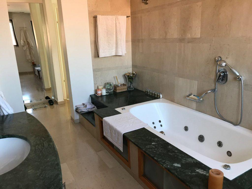 Salle de bain villa Guivat Shmuel
