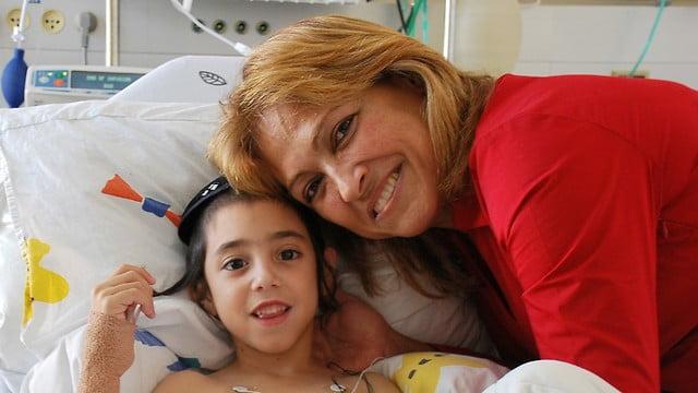 Rare: une israélienne fait don d'un rein à son petit fils